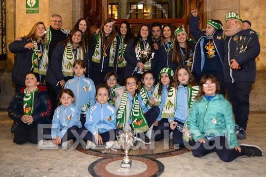 Vilanova ret homenatge a la campiones del Calmar Club Patí Vilanova